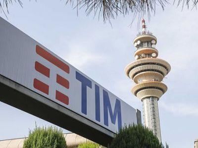Dipendenti Tim vendevano a call center i dati dei clienti, perquisizioni e arresti