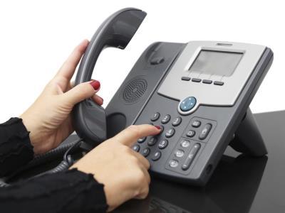 donna ottiene il numero dell'ex martio sfruttando una falla del call center