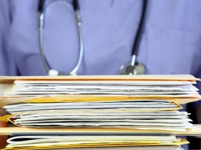 Le cartelle cliniche dei pazienti devono essere smaltite nel rispetto della privacy